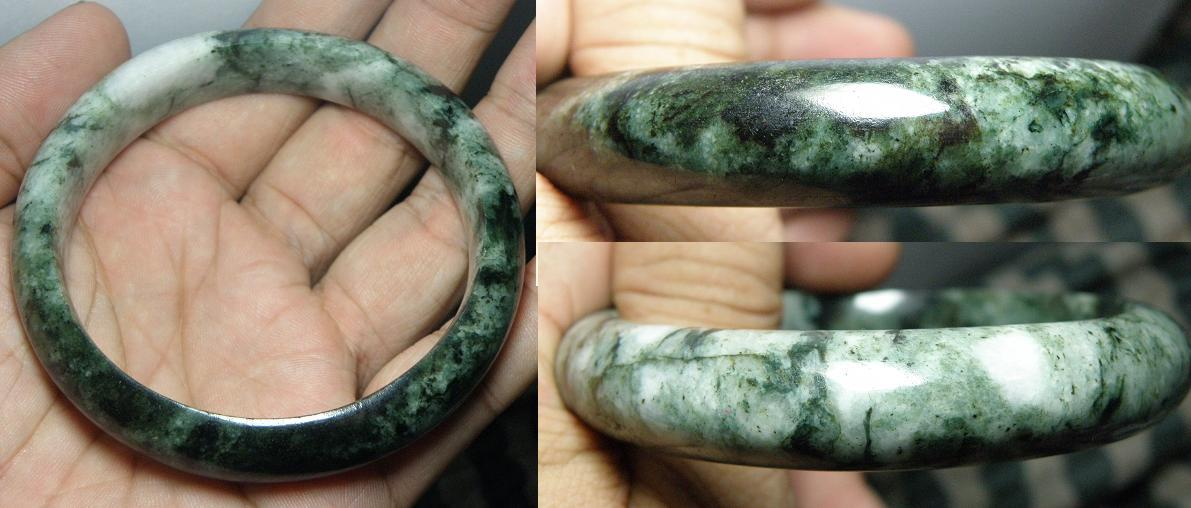 Superb green Burma jade bangle - 54.98g - JD109
