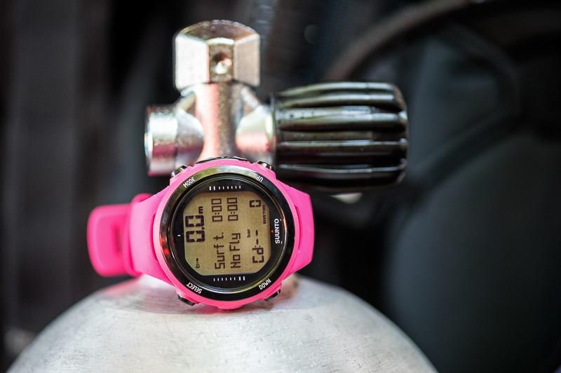 Suunto SS020396000 D4I Novo with USB Pink