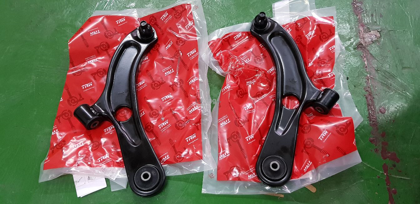 SUZUKI SWIFT 1.4 2012-2017 TRW LOWER ARM PER PAIR