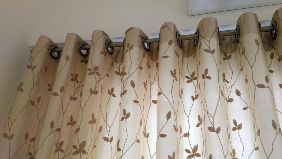 Sweet XL 8068 Glossy Lace Curtains 10 Ft Eyelet
