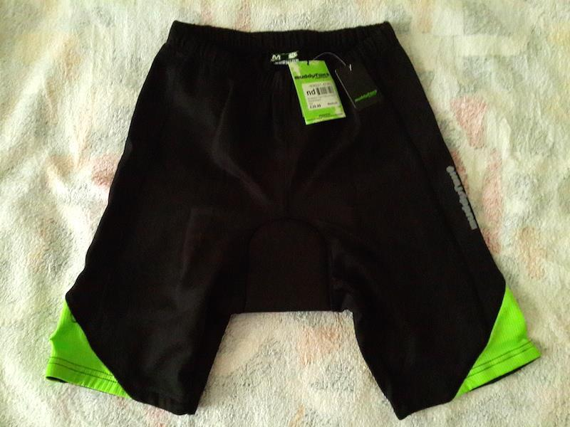 NEW with Tag: Muddyfox Black/Green Padded Shorts Mens Size M (UK)