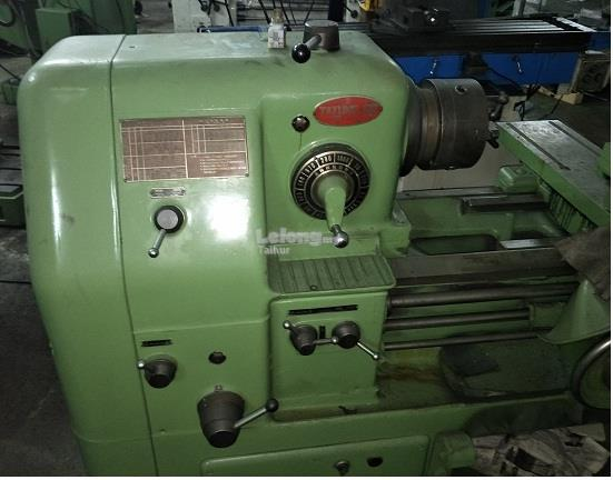 USED TATUNG LATHE MACHINE