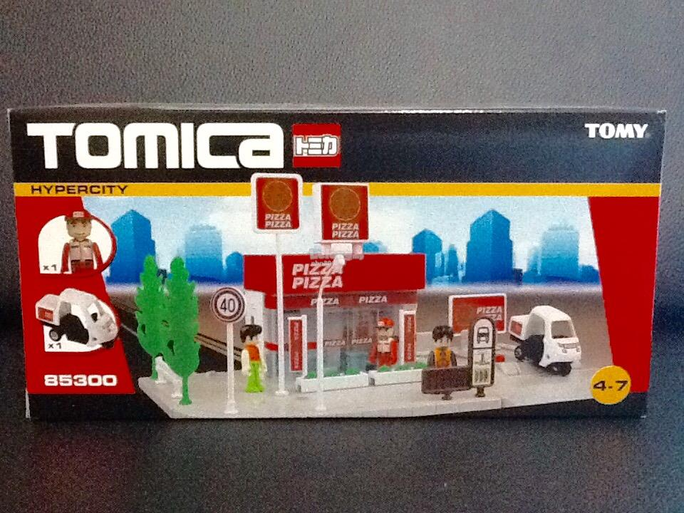 Tomica Pizza Shop with No. 82 Pizza Trike