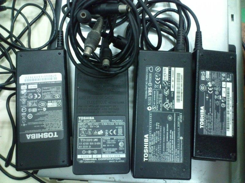 Toshiba 15V 3A 4A Notebook Power Adapter 141113