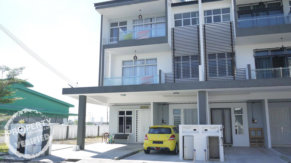 Townhouse for Sale in Bandar Saujana Putra