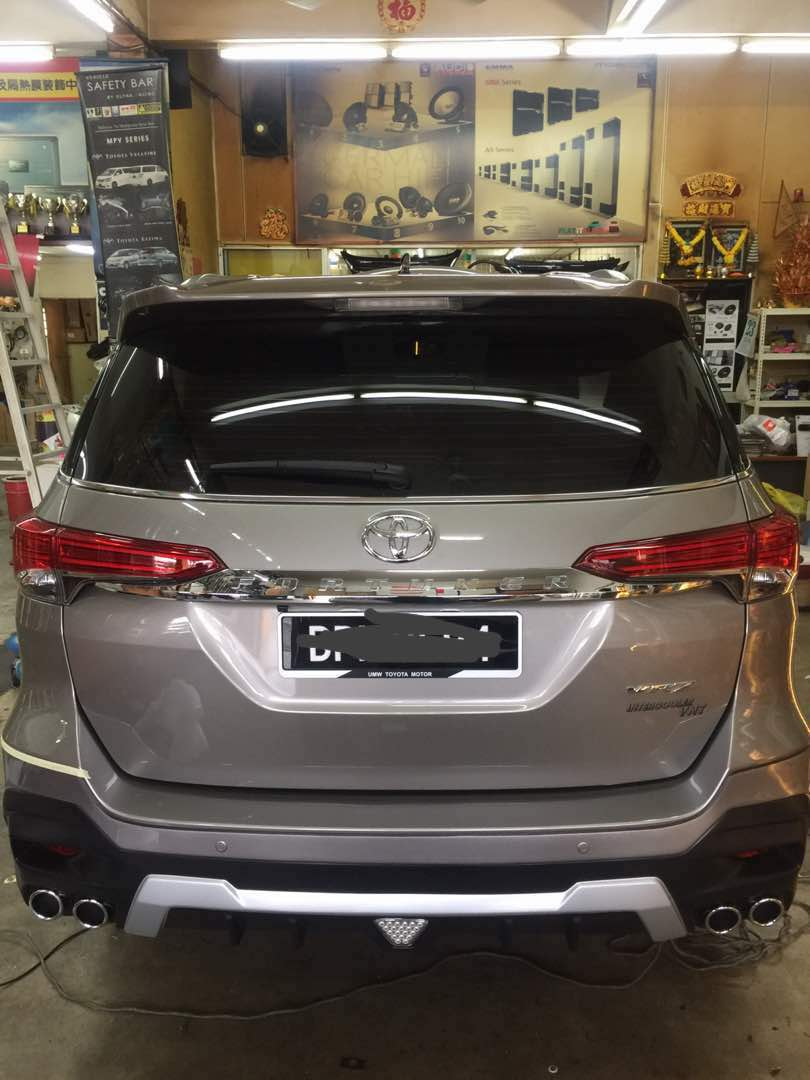 Toyota Fortuner Bodykit Skirting With Oem Paint