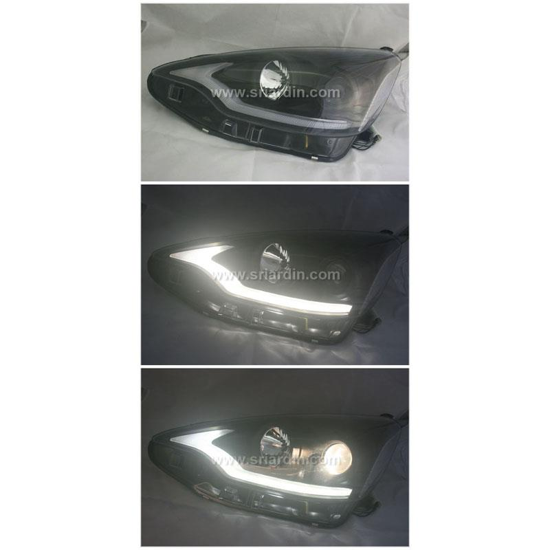 Toyota Prius C 12- Black Projector Head Lamp with Light Bar