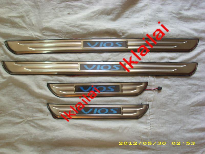 Toyota VIOS '08 Door / Side Sill Plate With LED Light [4pcs/set]