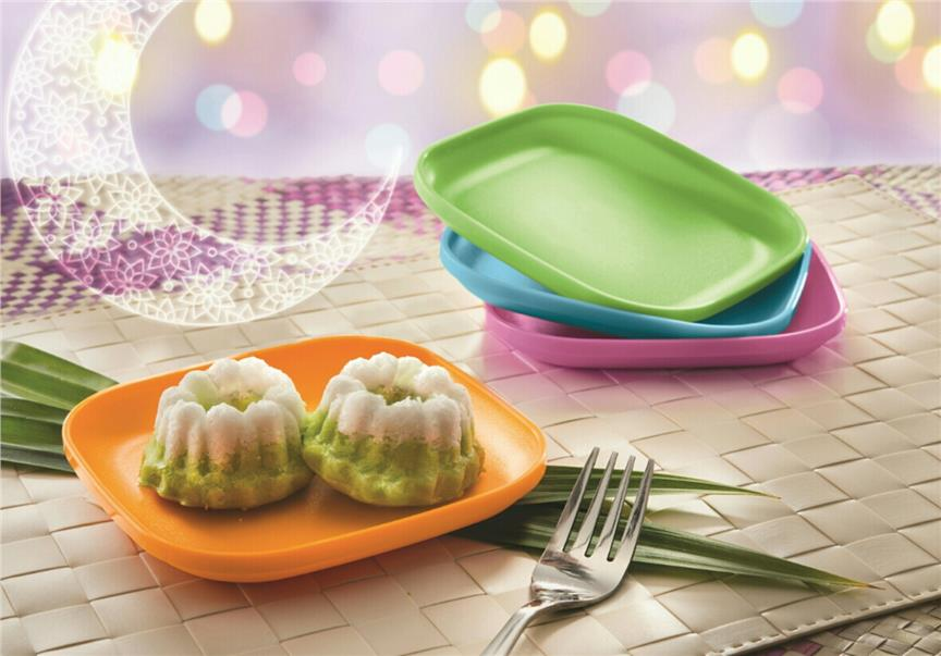 Tupperware Snack Plate (4) & Tupperware Snack Plate (4) (end 4/27/2019 9:17 PM)