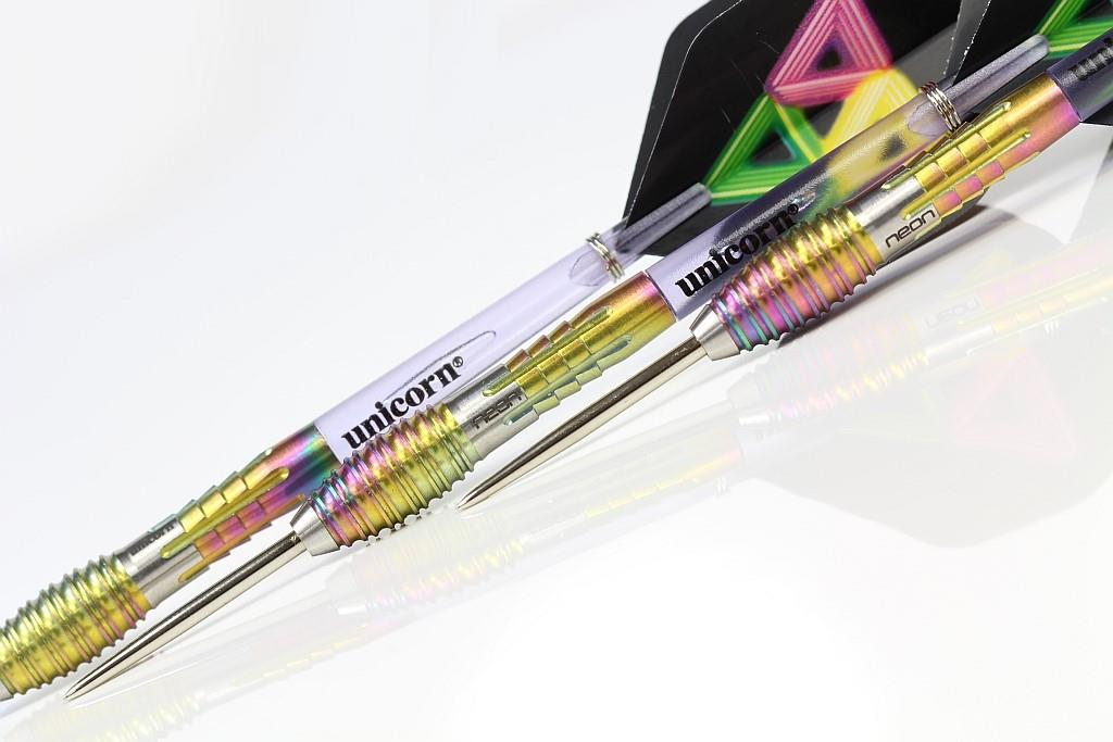 UNICORN STEEL TIP DARTS - NEON 3 DNA 90 TITANIUM TUNGSTEN [23G]