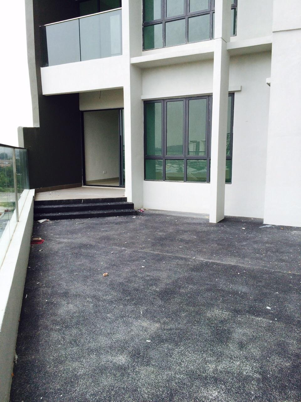 Univ 360 Place Designer Suites for sale, Seri Kembangan, with Garden