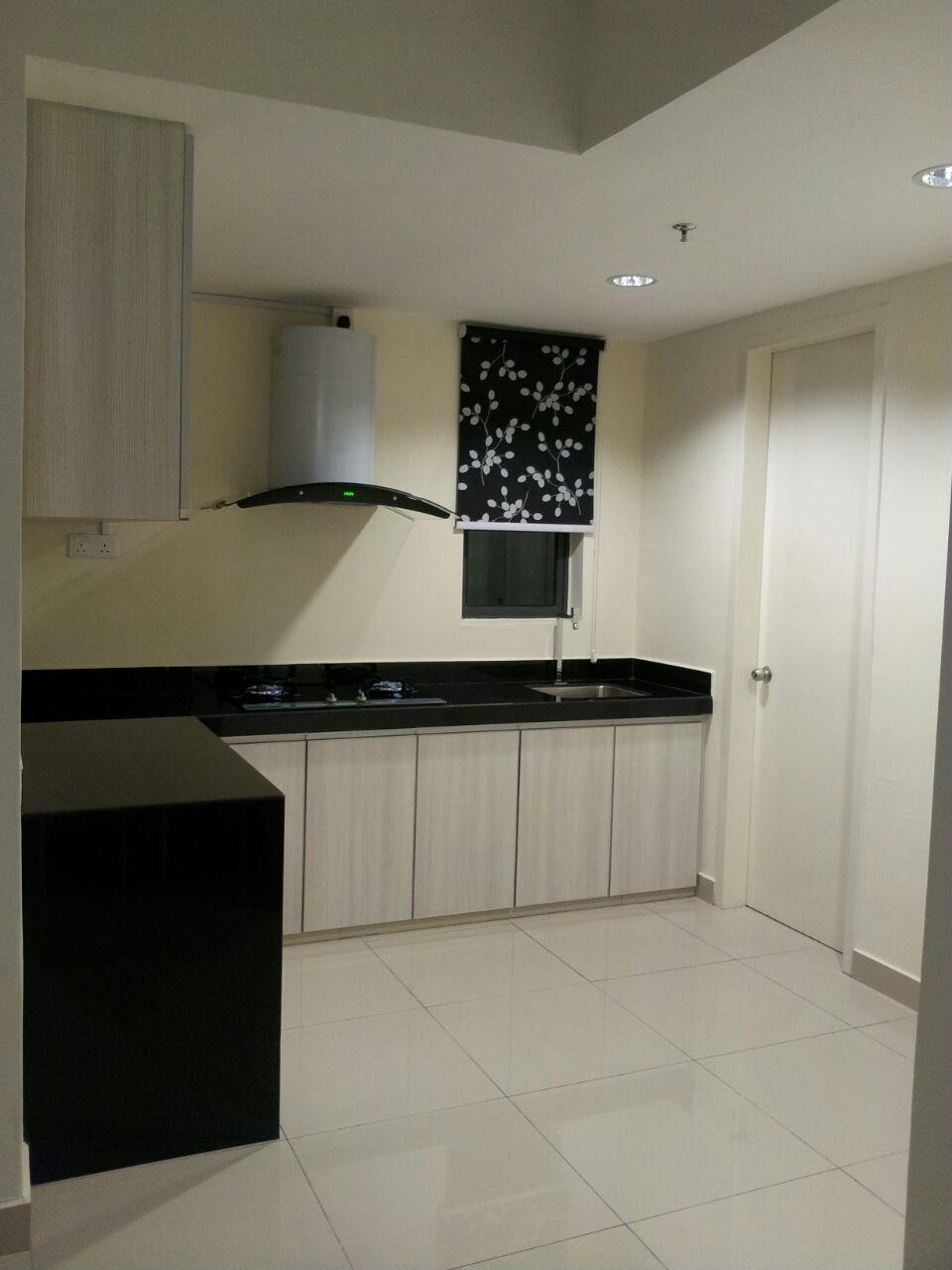 Univ360 Condo for rent, Fully Furnished, 2 Car Parks, Seri Kembangan