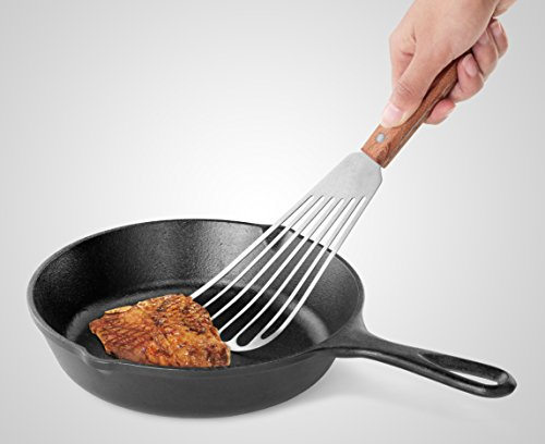 "(FROM USA) New Star Foodservice 43068 Wood Handle Fish Spatula, 6.5 "" Bla"