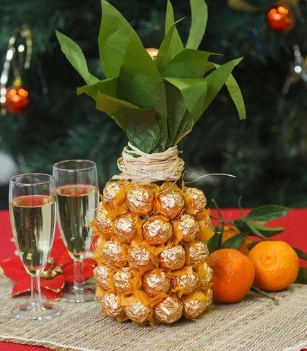 Valentine/ Mother Gift - Ferrero Rocher Pineapple (red wine/champagne)