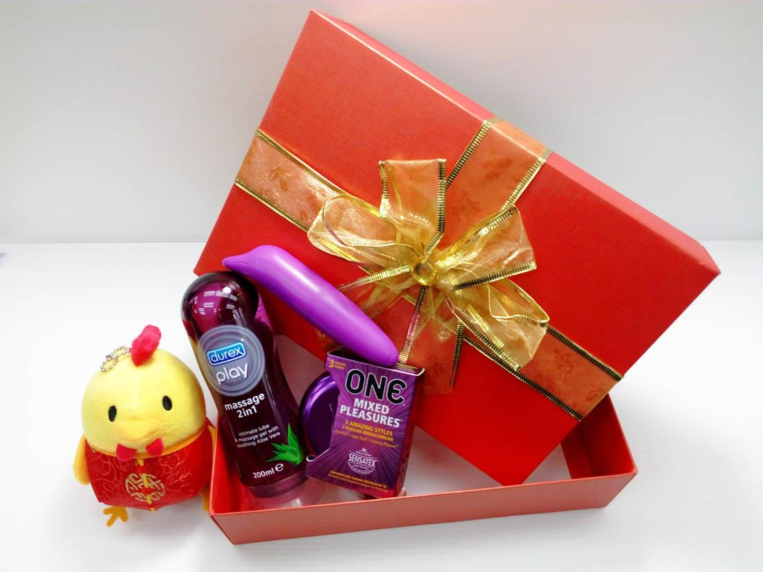 Valentines Gift Set With One Condo End 2 19 2019 1059 Pm Durex Play Massage In Lubricant 200ml Condoms