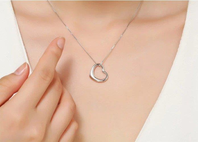 Vivere Rosse First Love Genuine 925 Sterling Silver Necklace