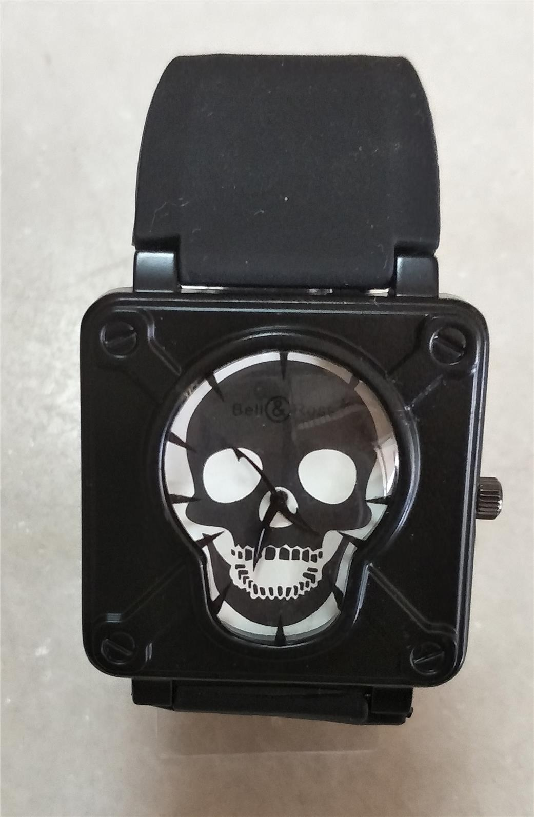 WATCH WITH UNIQUE DESIGN. ( BLACK )