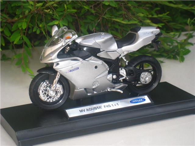 Welly 1/18 Diecast Motorcycle MV Agusta F4S 1+1 Silver