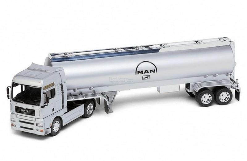 Welly 1/32 Diecast Super Haulier MAN TG510A Oil Tanker Trailer Truck