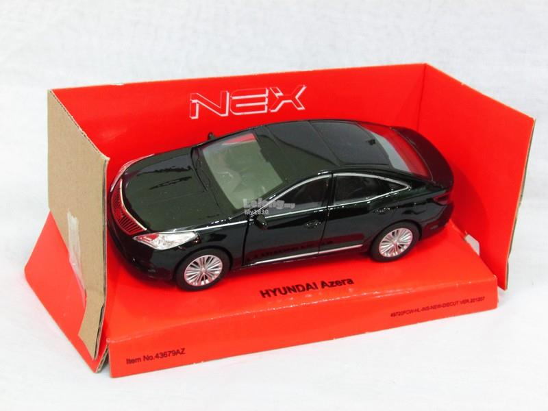 Welly 1/34-1/39 Diecast Car Hyundai Azera (Black) 2012