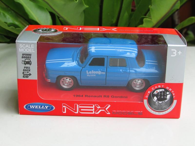 Welly 1/34-1/39 Diecast Car Renault R8 Cordini 1964 (Blue)