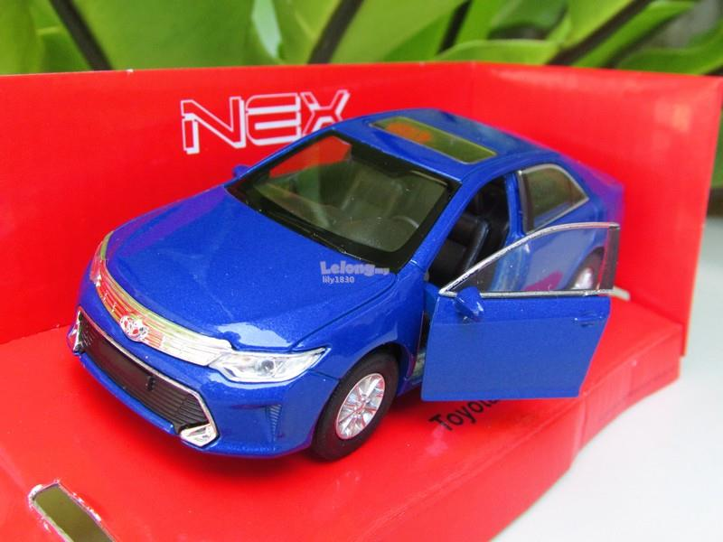 Welly 1/34-1/39 Diecast Model Toyota Camry