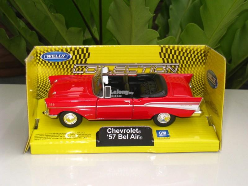 Welly (11cm) Diecast Car Chevrolet Bel Air 1957 Classic Car (Red)