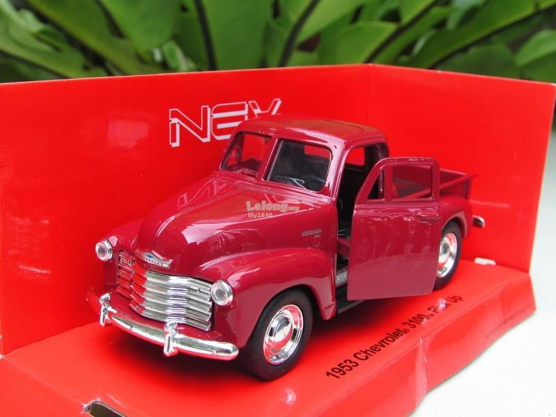 Welly (11cm) Diecast Model Car 1953 Chevrolet 3100 Classic Pick Up Red
