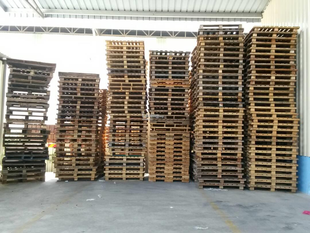 Used Wooden Pallet - 1300mm x 1100mm