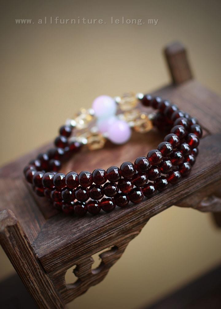 YN-6128	Garnet three transfer beads bracelet   石榴&#30707..