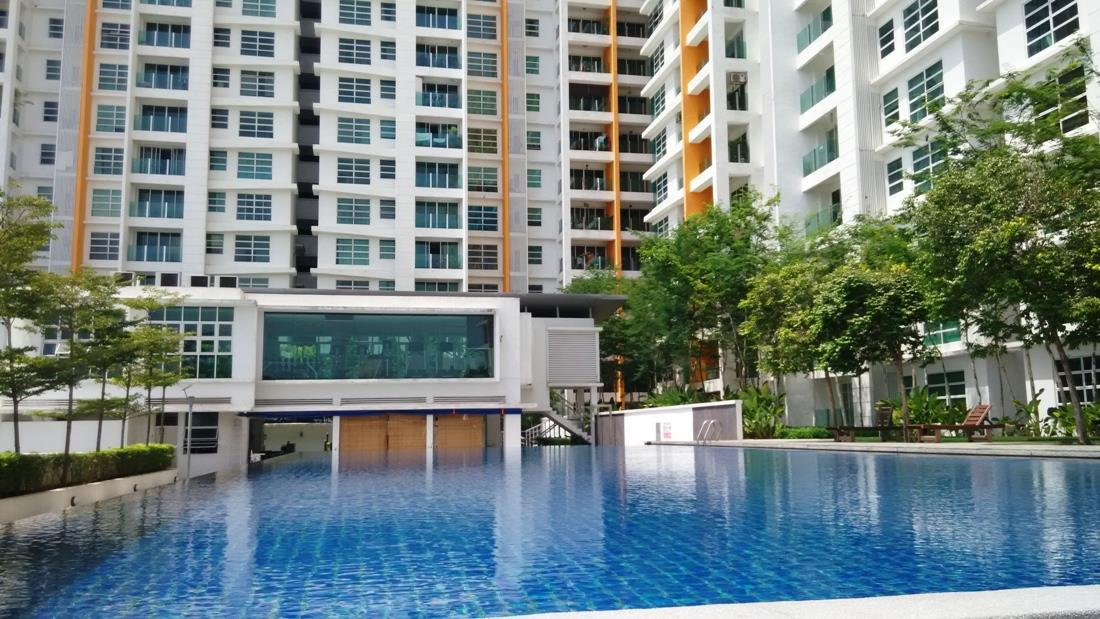 The Zest Condo for rent, Next to LRT, 2 Car Parks, BK 9, Puchong