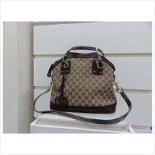 Genuine : Gucci Charm Medium Two ways Carry Tote (KLCC price rm5200)