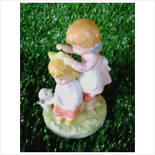 PORCELAIN HAND PAINTED DECORATION STATUE ANIMALS GIFT SS032