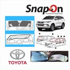 Groovy Toyota SUV SNAP-ON Car Sunshades - R Row