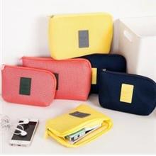 Travel Essential~Sponge Layer Shockproof Pouch (L size)