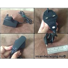 **incendeo** - Xcessory 5V-11V 500mA Mobile Phone Charger
