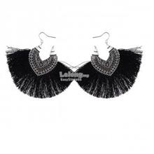 P132602 BLACK BIG TASSELS HEART SILVER VINTAGE HOOK EARRINGS