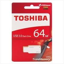 TOSHIBA 64GB USB3.0 AKATSUKI FLASH DRIVE (THN-U303W064OA4) WHT