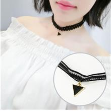 Simple Lace Clavicle Necklace (Black Triangle)