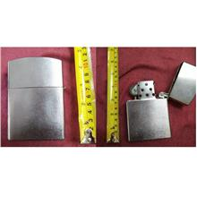 **CELLY**   11 cm Small Steel Lighter