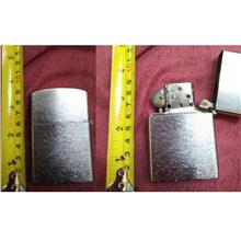 **CELLY**   8 cm Small Steel Lighter