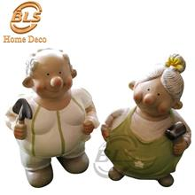 A PAIR OF PORCELAIN HAND PAINTED DECORATION STATUE GIFT SS131