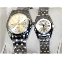 Stock Clearance! Discount 50% 1 Pair Fashion Quartz Watch ( 90 )