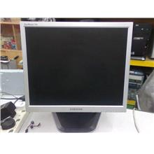 Samsung SyncMaster 17 inch LCD Monitor 210414