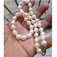 NATURAL CULTURED PEARLS NECKLACE