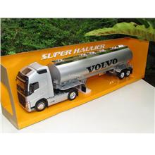 Welly 1/32 Diecast Volvo FH12 Oil Tanker Truck (Silver)