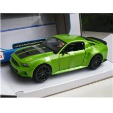 Maisto 1/24 Special Edition 2014 Ford Mustang Street Racer (Green)