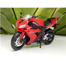 Maisto 1/12 Diecast Motorcycle Yamaha YZF R1 RED