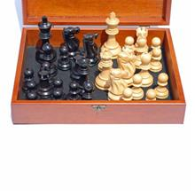 WE Games Jacques Chessmen - Black Stained Kari Wood with 3.75