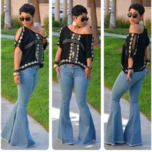 Casual Crop Top with Cut-out Sleeves